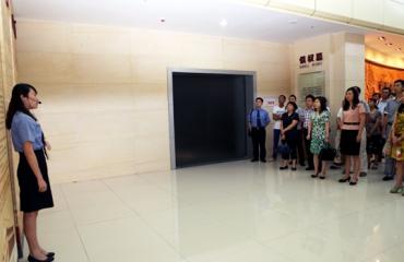 树廉政建设正气 筑警示教育防线